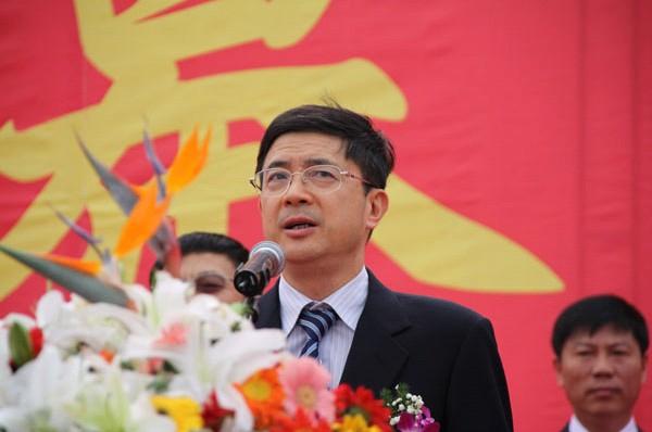 2011年10月14日上午9:00,杭州市委常委、副市长沈坚参加第十二届中国杭州国际汽